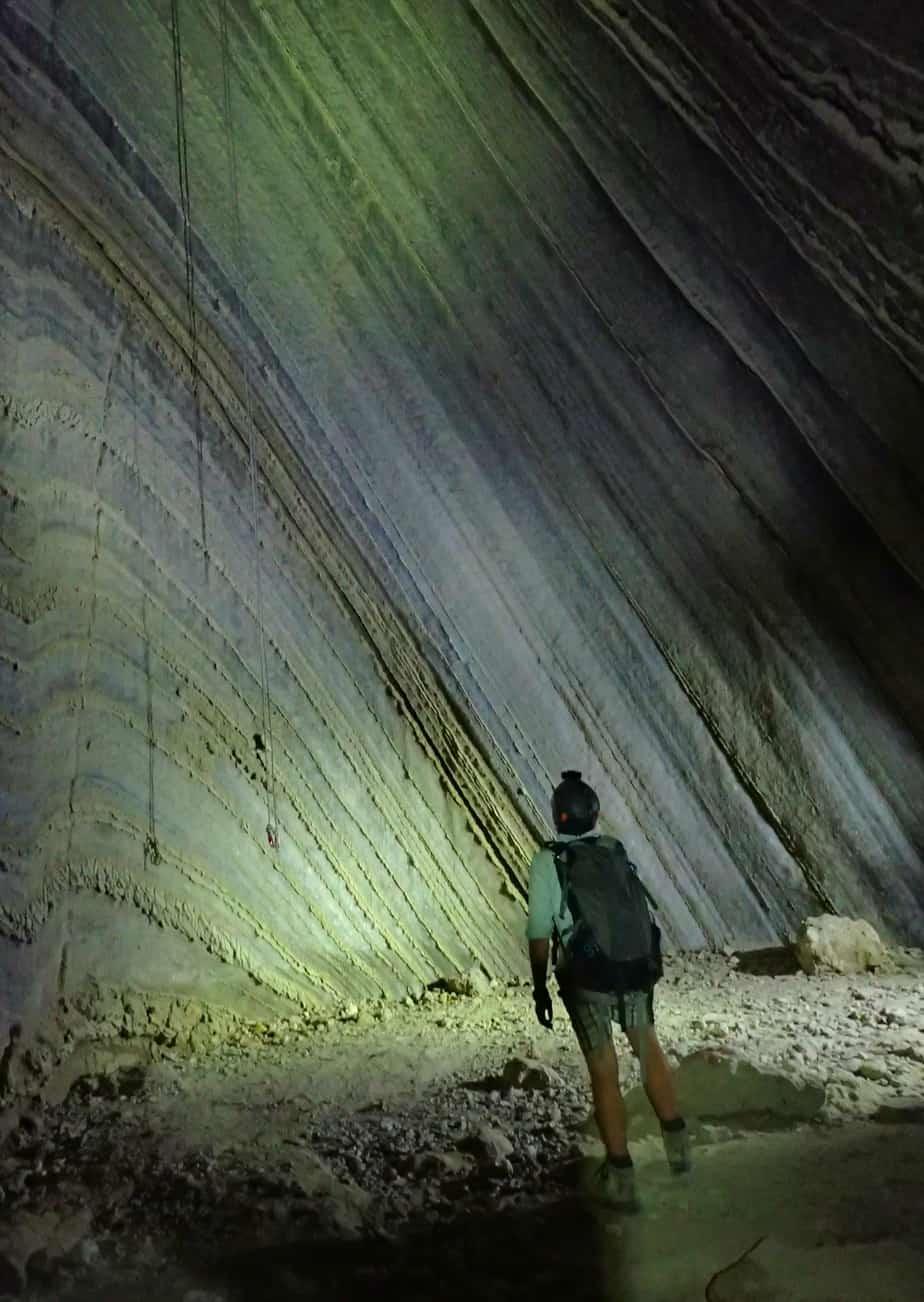 rappelling salt caves israel