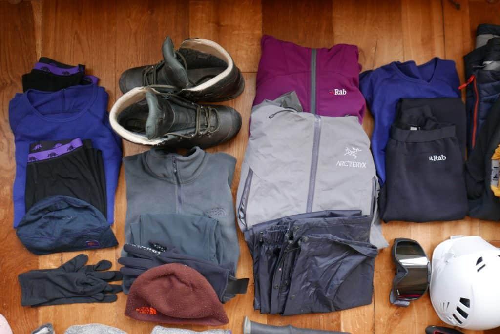 pack a hiking backpack
