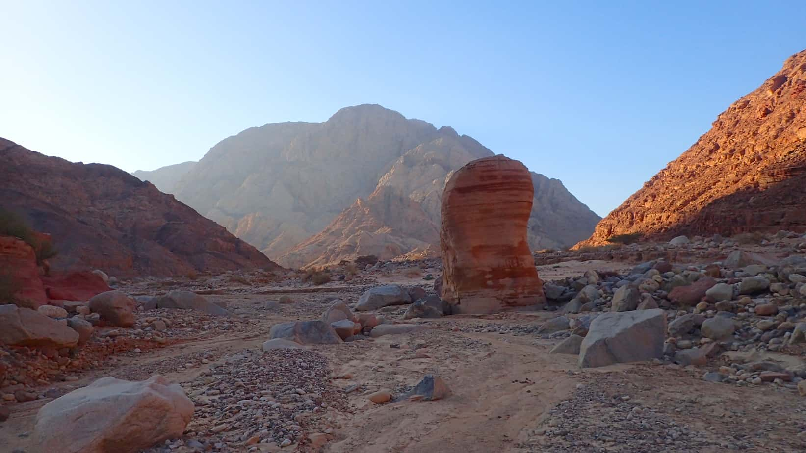 Hiking in Wadi Rum